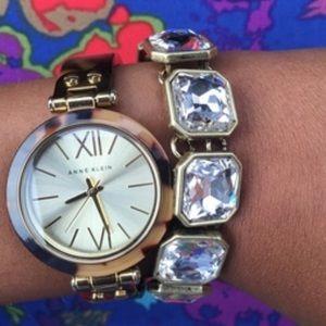 Chloe + Isabel Jewelry - Retro Glam Square-Cut Crystal Bracelet