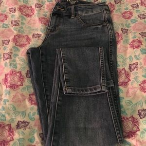THE LIMITED skinny leg 917 size 4 jeans