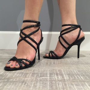NWT Burberry Alysa evening sandals in black