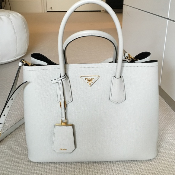 bee1f9131584 Authentic Prada White Saffiano Cuir Leather Tote. M 5755872b36d594f169002172