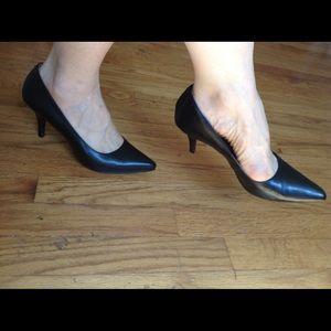 MERONA Black Pumps Pointy Toe Vegan Leather 7.5