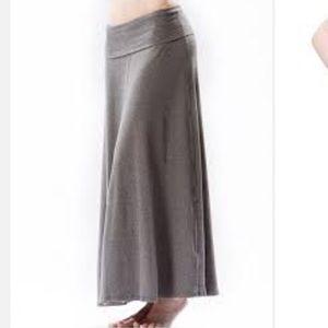 40 dresses skirts heathered black
