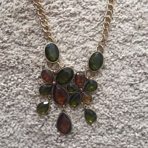 Jewelry - Gold and green jeweled necklace