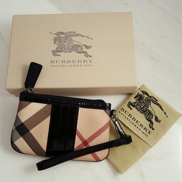 Sale! Burberry Nova Wristlet 2044657c40d1e
