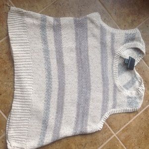 Sweaters - Gorgeous sleeveless sweater!!