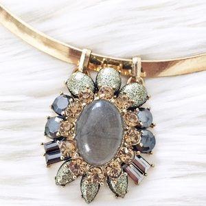 NY&Co gold collar green sparkle pendant necklace