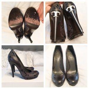 c139031b1044 Shoes - SALE Tory Burch Jude Amazon Snake Heels 38.5