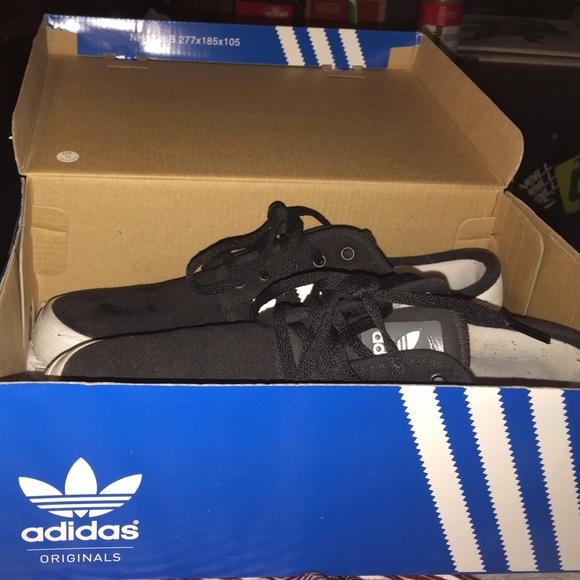 le adidas black seeley j poshmark