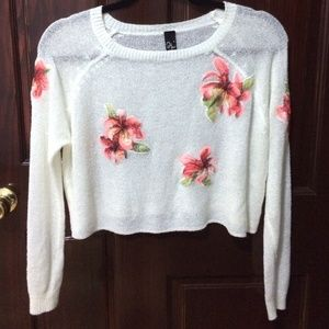 Sweaters - Sheer flower sweater cropped