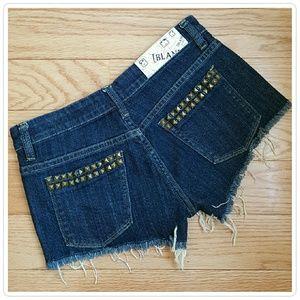 Blank NYC Pants - Blank NYC Stud Detail Cut Off Shorts