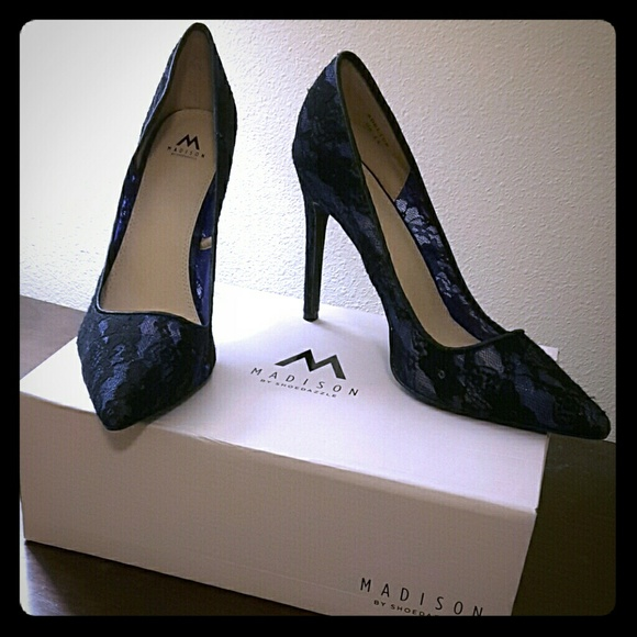 Shoedazzle Lace Heels From