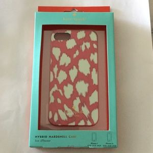 kate spade Accessories - NWT Kate spade iPhone 5/SE salmon leopard case