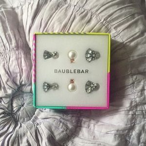 Bauble bar earring set