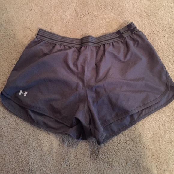 NEW Under Armour HeatGear Workout Running Shorts W// Built-in Briefs Mens size XL