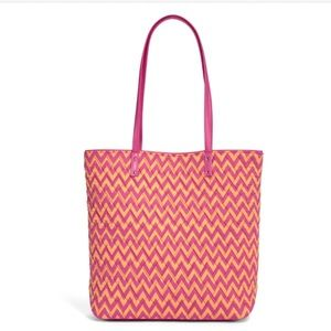 """Vera Bradley Handbags - Vera Bradley Day Tote Bag NWT """"Ziggy Zags"""""""