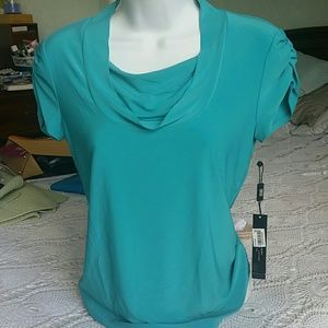 Georgeous ocean green blouse