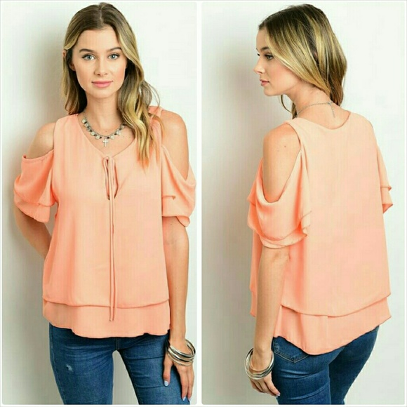 a6c3a68346a8af Short sleeve peach cold shoulder blouse Medium NWT