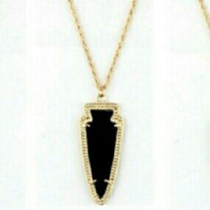 Arrow head necklace NWT