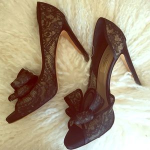 Valentino Shoes - ❤2X HP!!🎉🎉Valentino Couture Bow Lace Pumps❤️