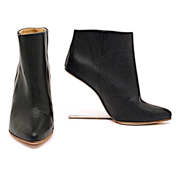Maison Martin Margiela for H&M Shoes - MAISON MARTIN MARGIELA Black Leather Ankle Boots