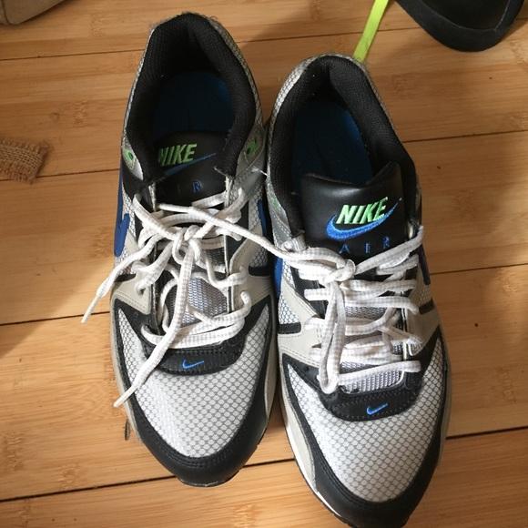 Nike Shoes - air max boys size 5 women size 7 64ea91708d
