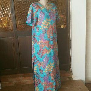 Cabernet Dresses & Skirts - Maxi Dress CABERNET NWOT TROPICAL Kimono Lg