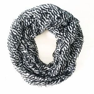 | new | black and white scarf