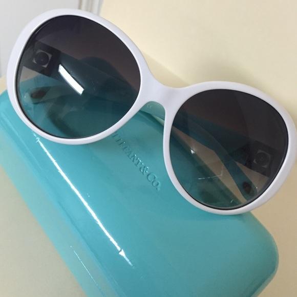 605a286b25 Tiffany   Co. Retro Charm Sunglasses