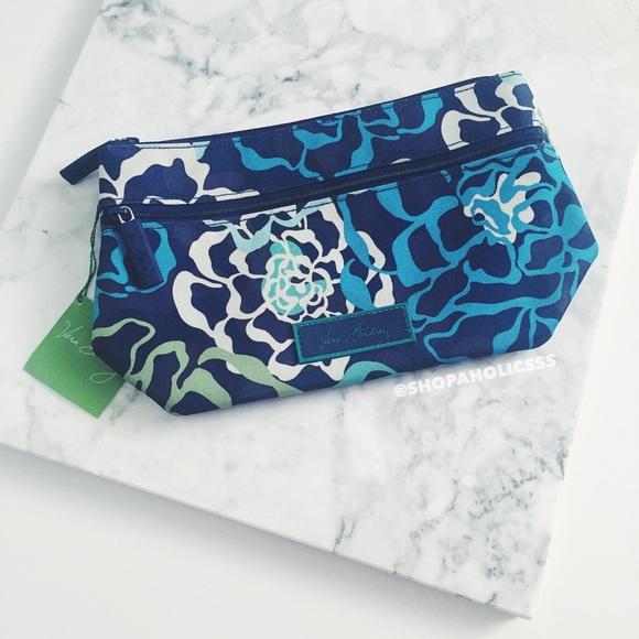 1336709debb0 🎉 VERA BRADLEY Lighten Up Travel Cosmetic Bag NWT