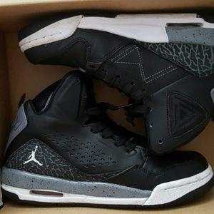 Shoes - Jordan flight