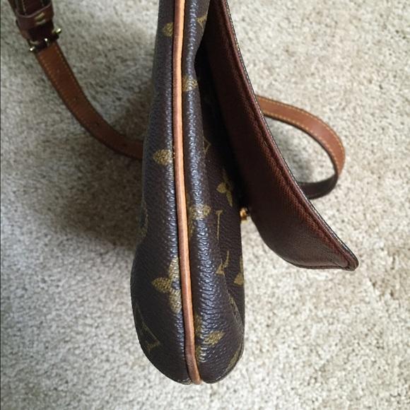 Louis Vuitton Bags - Louis Vuitton flap shoulder purse (Musette Tango)