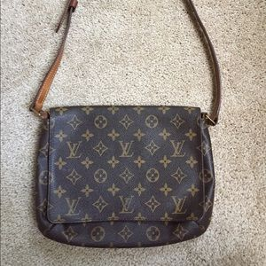 Louis Vuitton Handbags - Louis Vuitton flap shoulder purse (Musette Tango)