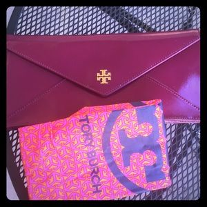 NWT Authentic Tory Burch Patent Leather clutch