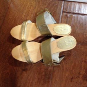 Kate Spade gold sandals size 6.5