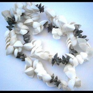 Jewelry - Pretty Vintage Hawaiian Shell Lei