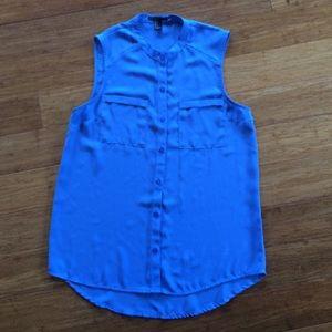sleeveless button up blouse