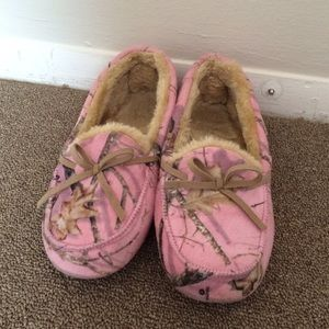 Pink Camo Mossy Oak Slippers