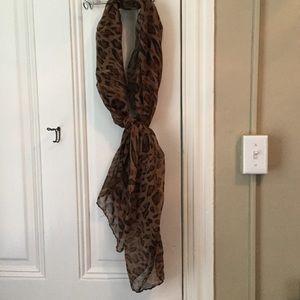 Accessories - Leopard tissue scarf