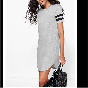 Dresses & Skirts - 🎉RESTOCKED🎉Gray Striped Curved Hem Shift Dress
