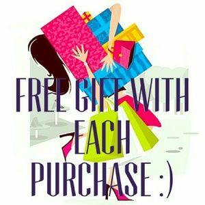 👄💄VS FREE BEAUTY GIFTS WITH ANY PURCHASE 👄💄