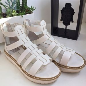 DOLCE VITA// gladiator cut out sandal in white