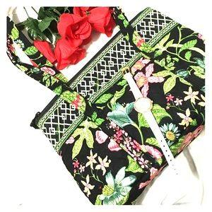 Handbags - 🆕Arrival5⃣0⃣% off Vera bradley shoulder bag 😍