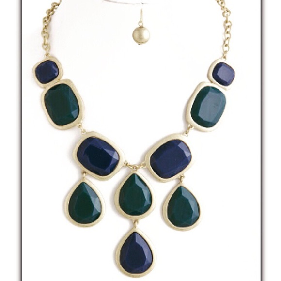 Jewelry - Jewel Drop Necklace With Earrings
