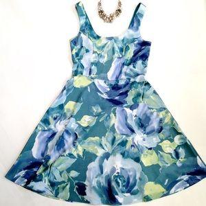 Charlotte Russe Dresses & Skirts - Scoop Neck Floral Flare Dress