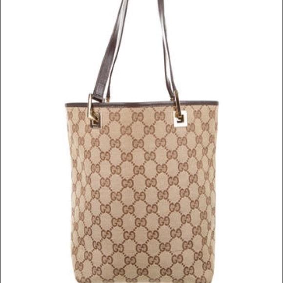 b3fc1b994f4 Gucci Handbags - Gucci GG canvas small tote. Serial   0021099002058