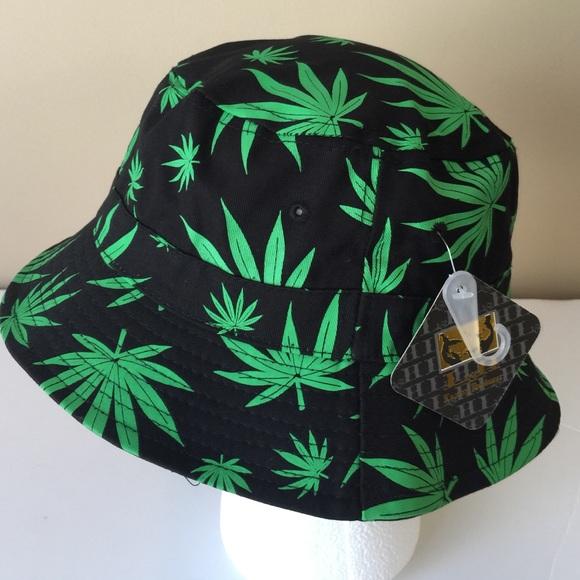 69d3c35a0e907 NWT Weed Leaf Sub Print Bucket Hat