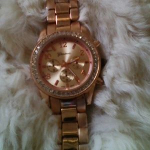Geneva rose gold watch beautiful