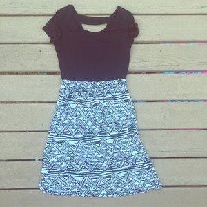 Gilli USA Dresses & Skirts - NWOT Boutique Midi Dress ✨