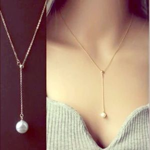 Jewelry - 🆕 GOLD PEARL DROP LARIAT NECKLACE