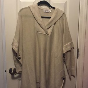 Rd Style (stitch fix) cream hooded poncho size s